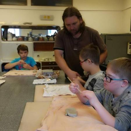 Práce v keramické dílně